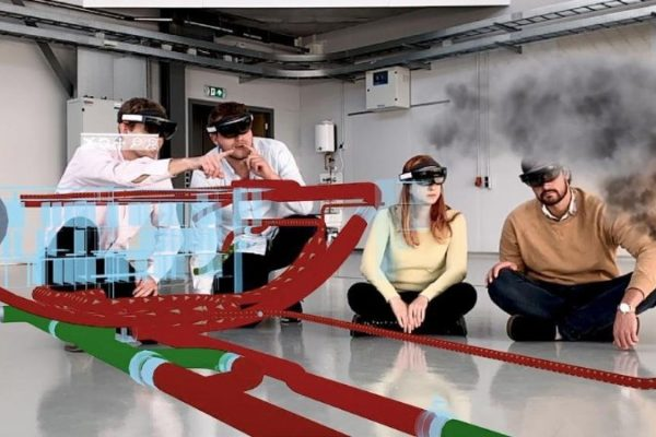"HoloLens: AFI KLM E&M ""augments"" MRO training experience"